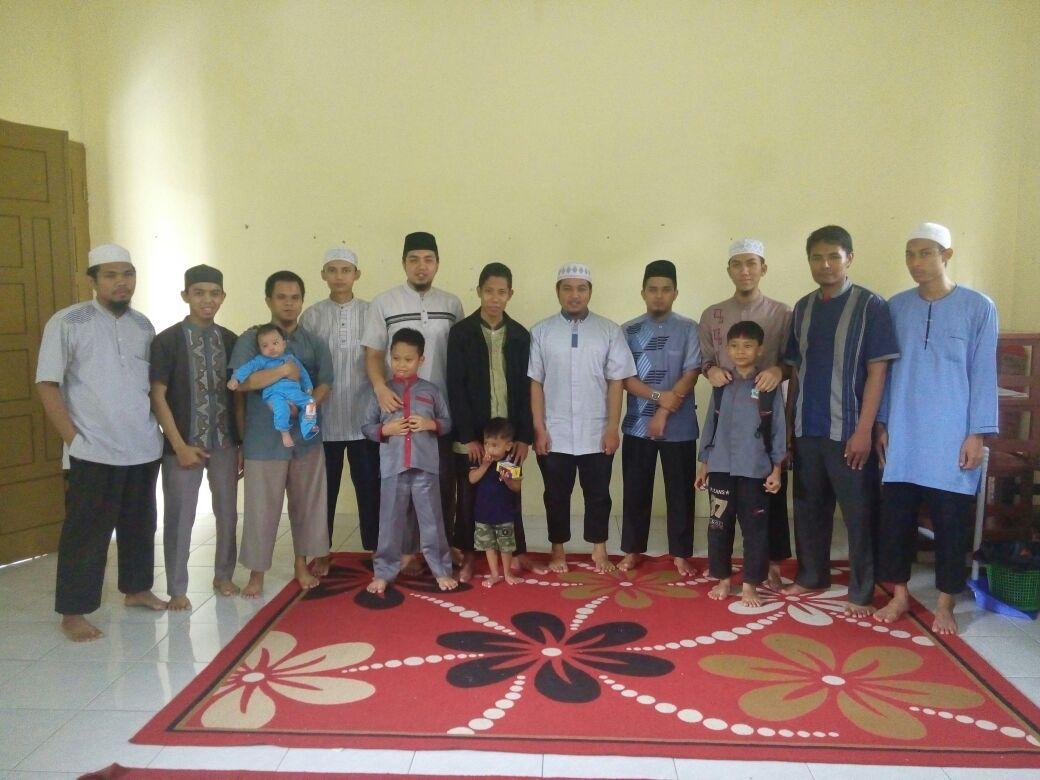 Tim Ikhwan bersama Ust Imam pengawal dr Depok
